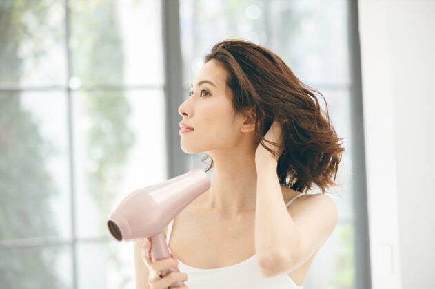 頭髮蓬鬆 可以靠逆吹頭髮